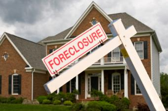 Foreclosures Declined in 2012, Increases Expected in 2013